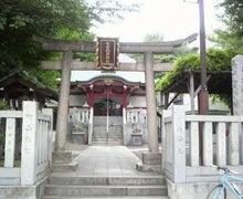 いつの日も神社、時々たこ焼き。-2011050313330000.jpg