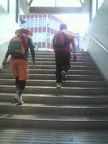 ゆきちゃんのつぶやき日記-地下道の階段