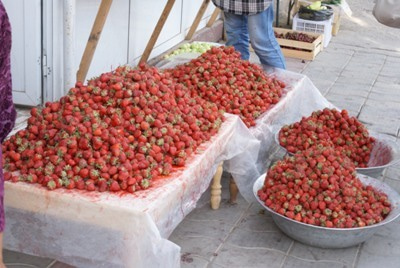 $ウズベク、ナンパ道場-strawberry