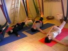 $Manami's diary-hammock yoga0515_3