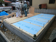 関西にローコストで素敵な家を建てる為のブログ-建て方03 1階床