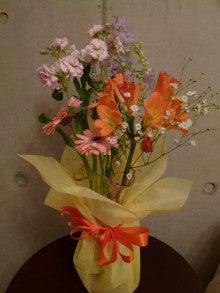 """『愛と調和』 『感謝』 パーソナルトレーニング ~""""本質・違いを 『観じる』 トレーナー"""" 上山純一 ~-Flowers in my room ①  (Apr. 14, 2011)"""