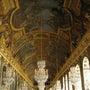 ヴェルサイユ宮殿に輝…