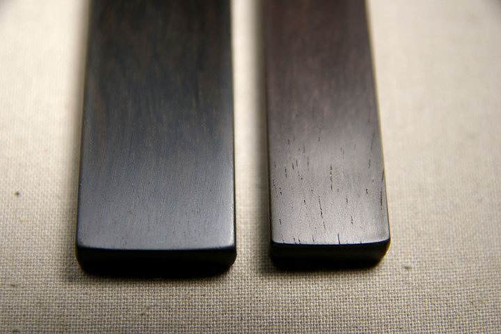 -青黒檀と黒檀まぐろの表面の違い