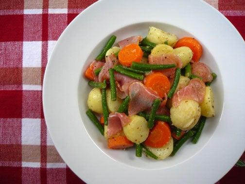 ひよこ食堂-生ハムと茹で野菜のサラダ02