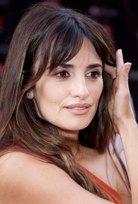 HOW BEAUTIFUL-Penelope cruz attends walk of fame madrid