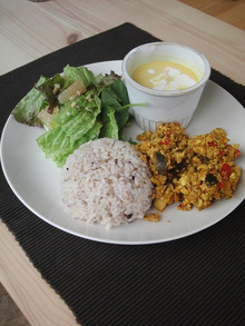 Cafe Leaf [カフェ リーフ]  栄養士がおすすめする***ヘルシーお豆富の創作料理