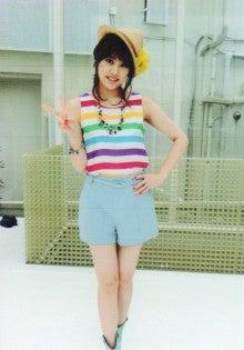 福田沙紀さんのショートパンツ姿