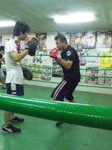 18鴻巣ボクシングジム-110726_1915~02.jpg
