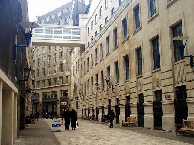 ロンドンスクール・オブ・エコノ...