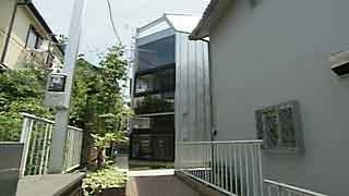 渡辺篤史の建物探訪」旗竿敷地に舞い降りた宇宙船