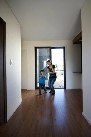 徳島県で家を建てるならサーロジック-玄関ホールで