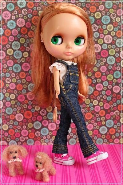 Sara's outfit