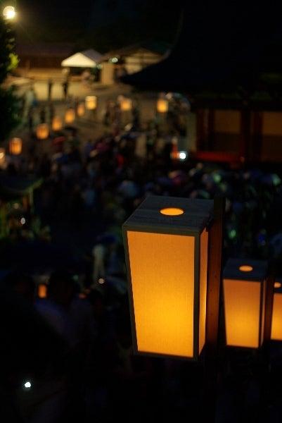 撮るの楽しやマニュアルフォーカス-八幡宮ぼんぼり祭