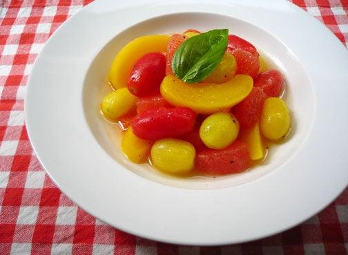 ひよこ食堂-トマトとフルーツのマリネ風サラダ01