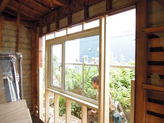 リノベーションで北海道の豊かな暮らし-札幌リノベーション、窓の取り付け