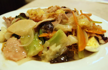 食べて飲んで観て読んだコト+レストラン・カザマ-あんかけ焼きソバ