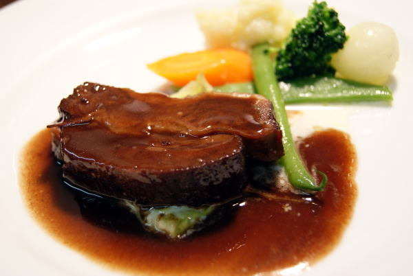 食べて飲んで観て読んだコト+レストラン・カザマ-ブフ・ブルギニヨン