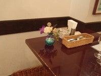 プリザーブドフラワー・開花工房・渋谷のバーミリオンハート-店テーブル1
