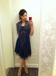 中村果生莉さんのカクテルドレス姿