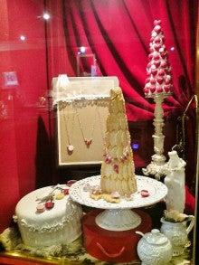 handmade fake sweets life ~h.f.l ~-展示スペースには前回のいちごタワーも