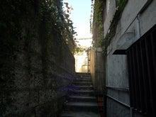 パリの女の子のお部屋-代官山路地
