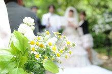 $ブライダル装花専門店AZUR-お庭での挙式