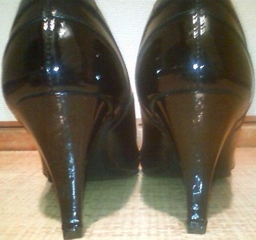 $靴磨き職人のダンディズムブログ-復活!エナメルピンヒール