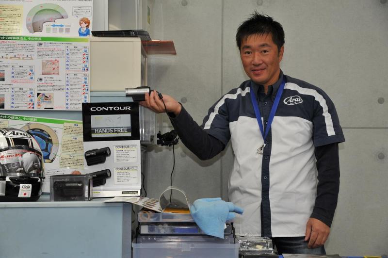 ドゥカティ鈴鹿ストアマネージャーという人物の隙間-ARAIフィッティングサービス