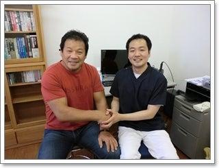 背骨・骨盤のゆがみ専門 福岡 まごころカイロプラクティック-藤波辰爾2