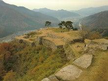 赤と黒-竹田城跡