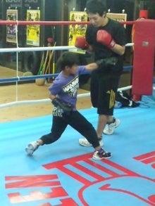 18鴻巣ボクシングジム-111126_1845~02.jpg