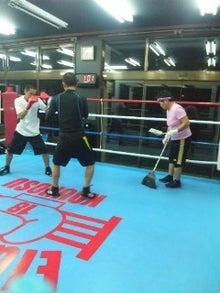 18鴻巣ボクシングジム-111126_1855~02.jpg