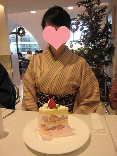 $東京で着物ライフを楽しむ会 ~東京きものライフ~-ビッグなショートケーキ