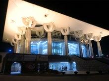 慶南芸術センターの威容