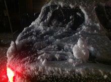 雪よけしながら雪だるま?作製(笑)