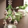 キッチン前のクリスマスツリーの画像