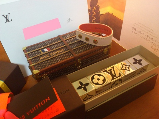 $Joaillerie I LOVE LOUIS VUITTON♪-LVからの顧客用ギフト
