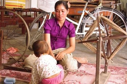 *カンボジアの綿クロマーと赤ちゃん帽子のお店*-糸巻きの図
