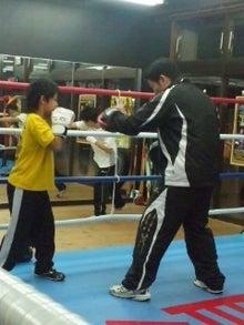 18鴻巣ボクシングジム-111215_2001~03.jpg