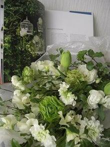 $「FLOWER SALON MARI」主宰☆美しいお花や物、ファッション、愛する娘とのHappyブログ