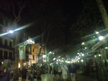 夜のランブラス通り