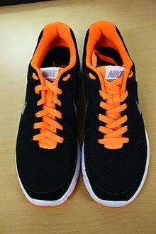オーバーラップとアンダーラップ(靴紐の通し方)
