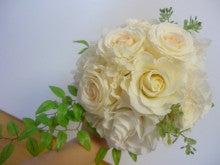 プリザ:かわいいミルフィーユのバラを使ったブーケ;