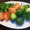 芽キャベツでサラダとシチュー♪の画像