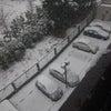 シンシンと雪が降っています。の画像