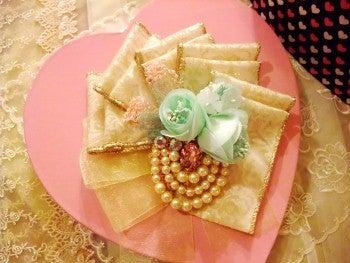 amule アミュレ ~ Handmade life ~-お菓子みたいな可愛いコサージュ