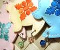 ハワイアンキルト柄刺繍の携帯ストラップ・キーホルダー