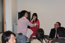 新宿ではたらくサイコロ社長(セミナー企画・アロマサロン経営・ITエンジニアリング)-景品お渡し⑦