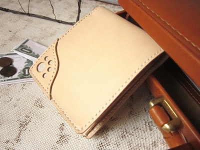 OXIO-CRAFT(オキクラ)の「革雑貨」製作日記-ハーフウォレット